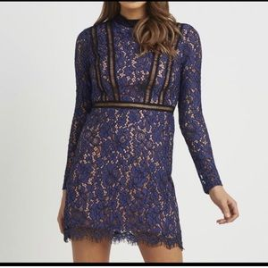 Long sleeve dress. Lace.
