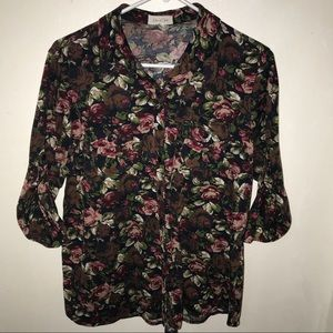 Floral buttoned blouse
