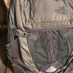 Bnwt the North Face Recon back pack NEW