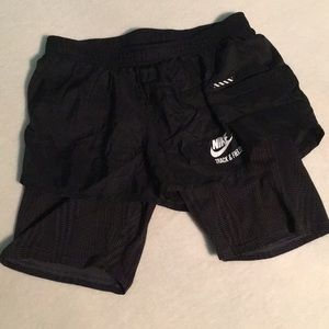 NIKE Run Fly 2-in-1 running shorts w. compression