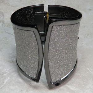 bebe dark silver glitter cuff bracelet NWT bbb06