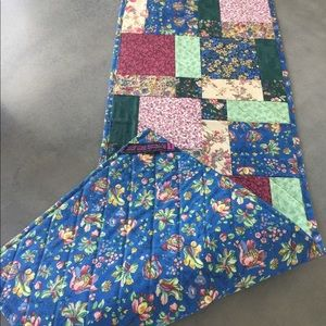 Floral prints quilted table runner