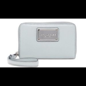 Marc Jacobs Classic Leather Zip Phone Wallet NWT