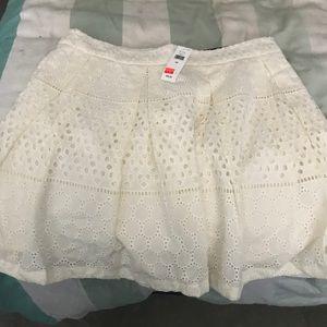 Brand new white lace banana republic skirt size 12
