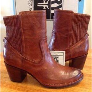 Lucinda booties by Frye