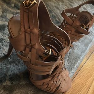 Tory Burch camel leather woven heels 6.5