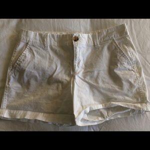 White chino shorts - sz 4 - good condition