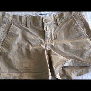 NICE! Khaki chino shorts - sz 4