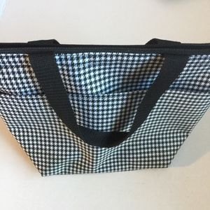 Handbags - Black and White Houndstooth Insulated Lunch Bag