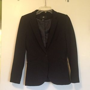 NWOT Black tailor-fit blazer