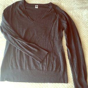 Gap light weigh knit sweater dark gray