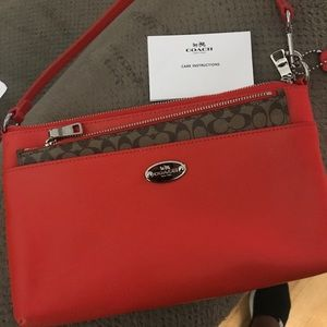 NWOT Coach east/west popup crossgrain leather