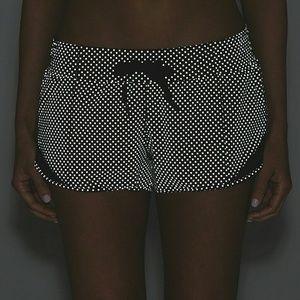 Lululemon Hotty Hot Shorts Shine Bright Size 6 NWT