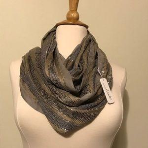 💙 NWT Charming Charlie infinity scarf