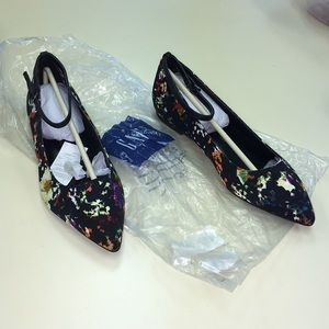 GAP NWT black floral Mary Janes 9