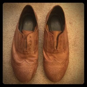 Joie wing tip flat