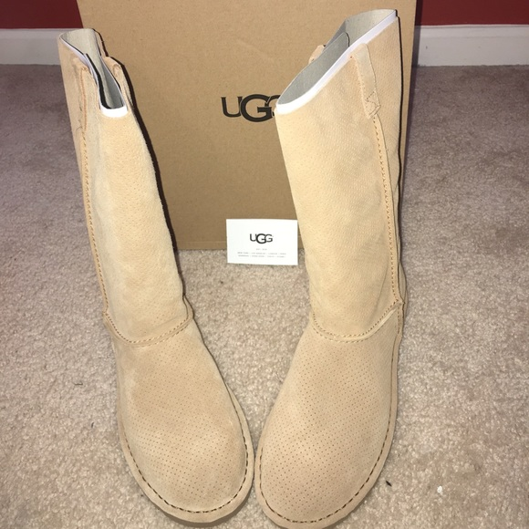 aba3e6ddf12 NWB UGG Classic Unlined Tall Perf Boot