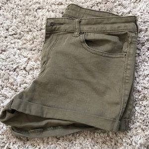 Urban Outfitters army green midrise shorts size 30