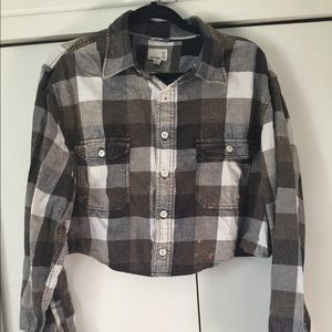 UO Urban Renewal Cropped Flannel Shirt