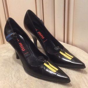 Miu Miu women's black pump shoes Sz 38......ITALY