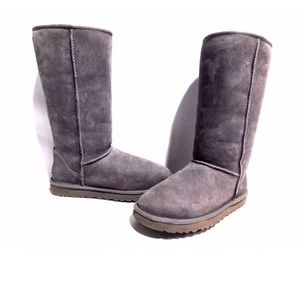 UGG Australia Womens Classic Tall Suede Boot Gray