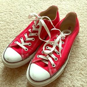 Red converse. Men's size 7!
