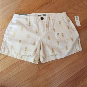 NWT Old Navy size 0 shorts w/gold pineapple detail