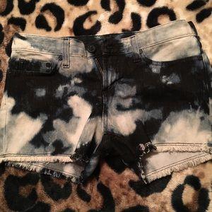Destroyed tie dye jean short