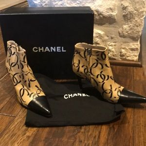 Chanel 5.5 ankle boot