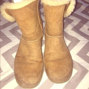 Ugg women's size 10 Bailey Button Boot.