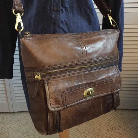 Fossil Handbags - Vintage Fossil Leather Crossbody