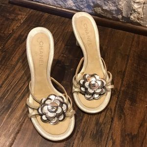 Chanel heeled sandal with flower detail 6M