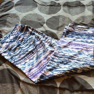Purple Watercolor 1X Zella Capri Leggings