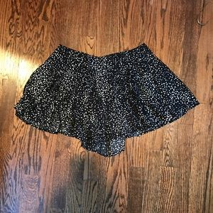Urban Outfitters Size M Black White Print Shorts