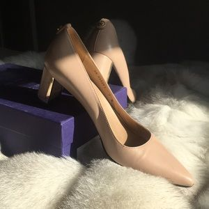 Stuart Weitzman First Class Pumps in Nude Leather
