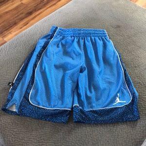 Boy's Jordan basketball shorts M 10-12