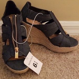Adorable Jean Wedges