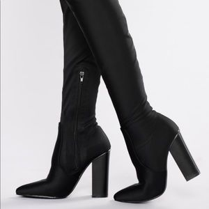 Over the knee stretchy boots
