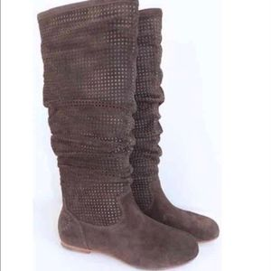NWOT BROWN SUEDE UGG BOOT SIZE 10