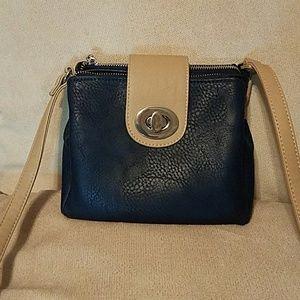 TURNLOCKcrossbody bag