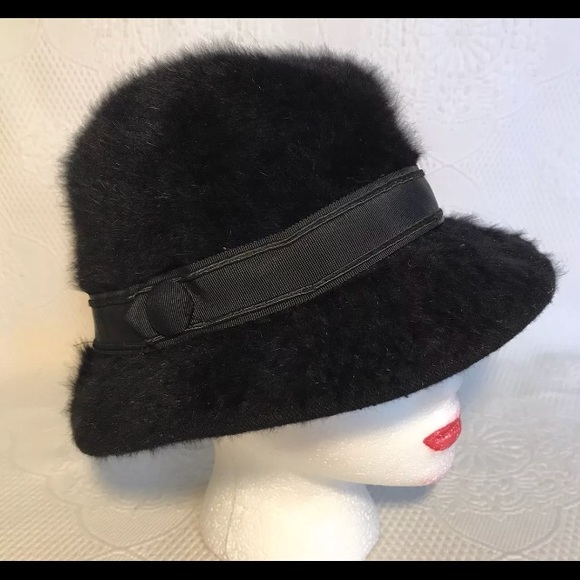6688c45beb4bb Kangol Accessories - KANGOL vintage bucket hat