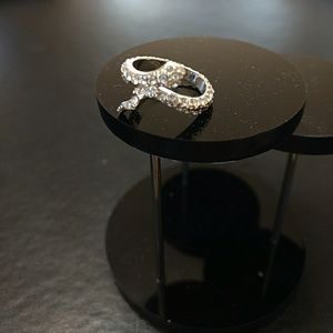 Jewelry - Silver tone snake ring
