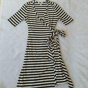 Gorgeous BANANA REPUBLIC wrap dress