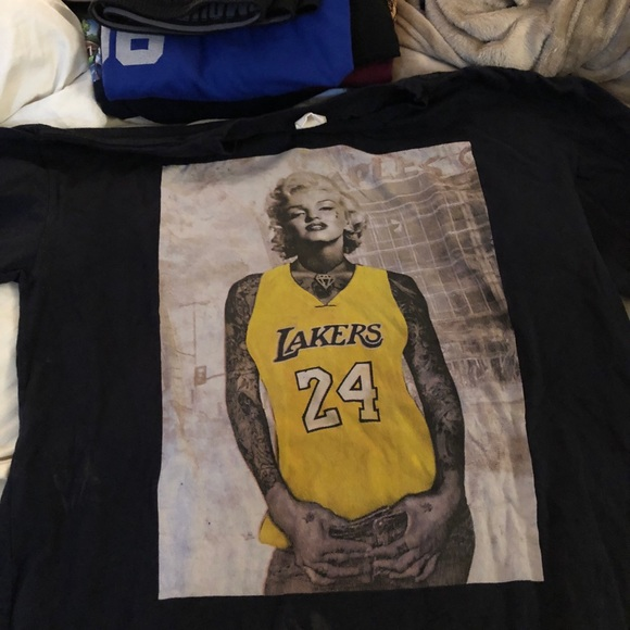 free shipping 14e43 fed9c T-shirt featuring Marilyn Monroe with Kobe jersey