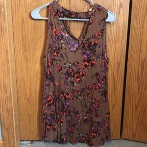 Tops - Brown Floral v neck choker tank top XL