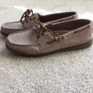 Light brown/pink leather sperry top sider size 9.5
