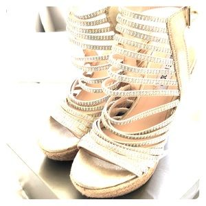 Great Condition Steve Madden Glam Wedges!!