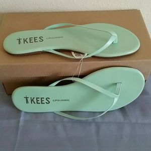 92c5587cec0c TKEES Shoes - TKEES (Lipglosses ) size 9 NWT