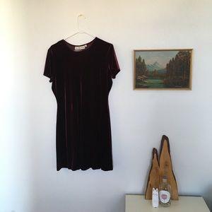 Dresses & Skirts - 90's Burgundy Velvet Dress