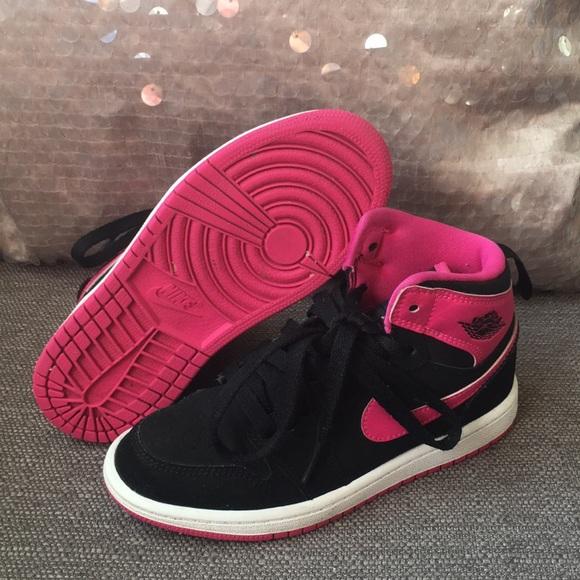 promo code efec4 393e2 Girls' Jordan Retro 1 High Basketball Shoes